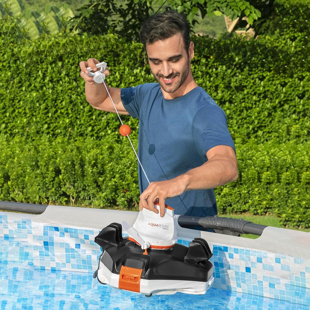 Robot Limpiafondos Automatico A Bateria Para Piscinas De Hasta 40 m.2