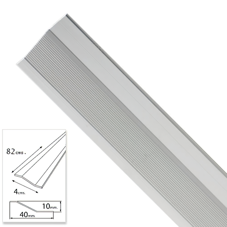 Tapajuntas Adhesivo Para Ceramica Metal Plata   82,0 cm.